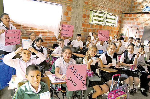 Fundación Paraguaya promueve hábitos del ahorro en niños y jóvenes