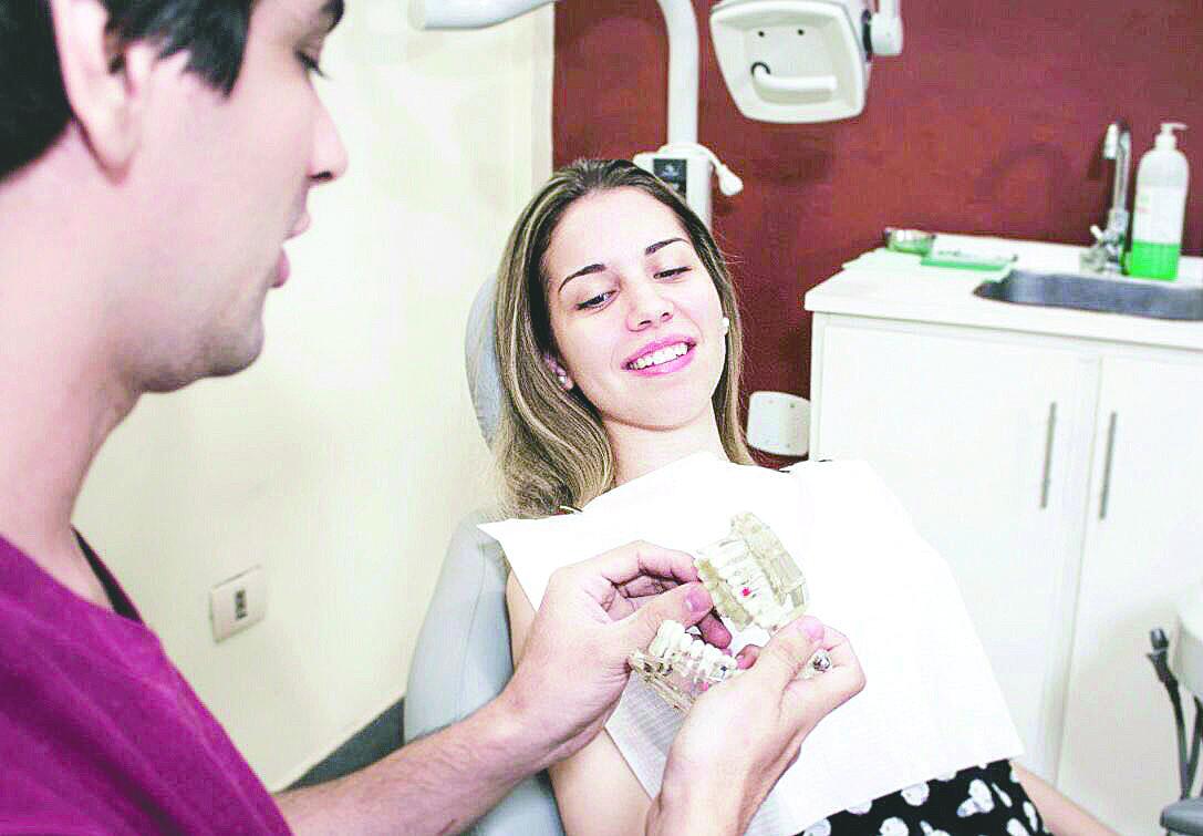 Cuidando la salud bucal de las personas
