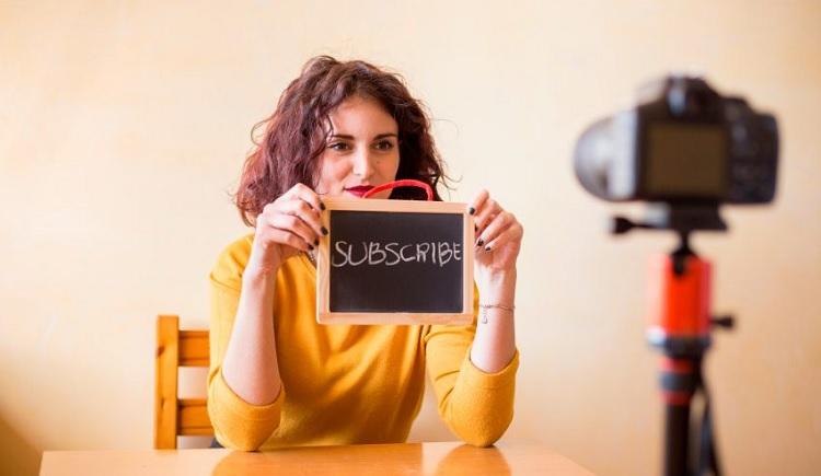 El poder de atracción de los influencers y el impacto que tienen  en la decisión de los consumidores a la hora de comprar